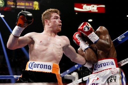 Canelo Alvarez wins close split-decision over Erislandy Lara from sold-out MGM Grand Garden Arena on Showtime PPV®