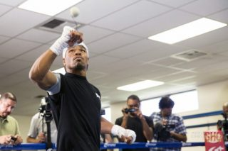 """Brook vs. Porter, Kell Brook, Shawn Porter - (Photo credit: Esther Lin/Showtime) CARSON, Calif. (Aug. 13, 2014) - Unbeaten IBF Welterweight World Champion Shawn """"Showtime"""" Porter, undefeated contender Kell Brook and seven other boxers who will compete on this Saturday's stacked Golden Boy Promotions' fight card at StubHub Center in Carson, Calif., participated in an open media workout Wednesday at Fabela Chavez Boxing Center in Carson, Calif.."""