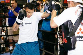 "John Molina, Leo Santa Cruz, Marcos Maidana, Miguel Vazquez - (Photo credit: Esther Lin/Showtime) OXNARD, Calif. (Aug. 26, 2014) – Marcos ""El Chino"" Maidana, the former welterweight world champion who gets his eagerly awaited rematch with Floyd ""Money"" Mayweather in the main event of ""MAYHEM: Mayweather vs. Maidana 2"" on Saturday, Sept. 13 live on SHOWTIME PPV, world champions Leo ""El Terremoto"" Santa Cruz (WBC Super Bantamweight), Miguel ""Títere"" Vazquez (IBF Lightweight), junior welterweight contender John Molina, Maidana's trainer Robert Garcia and  Mayweather Promotions CEO Leonard Ellerbe participated in a Media Workout Tuesday at Robert Garcia Boxing Academy in Oxnard."