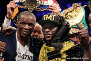 """Floyd Mayweather Jr - At the heel of one of the most interesting and controversial negotiations in boxing history, a lot of talk about the good ol' days and other clichés emerged and are thrown around like medicine balls in sweaty boxing gyms. They're used to describe a time when all was well – the gas station attendant filled up your car, the doctor made house calls, and the best fighters fought the best fighters. You even hear fighters repeat the phrase, """"I'm old school"""", in hopes of luring a no nonsense fan base that will follow them down the often lonely, dark hallways of their boxing journey"""