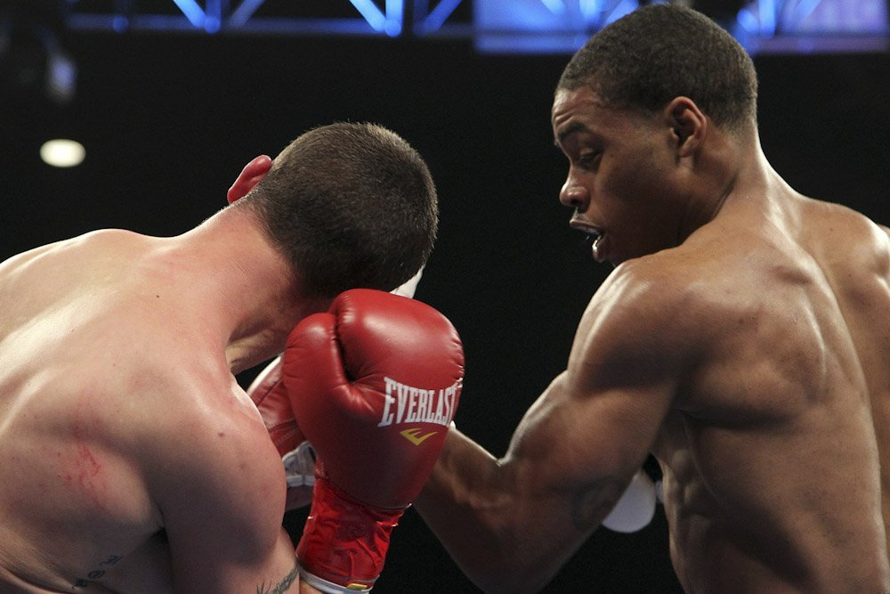 Errol Spence Junior could face Chris Algieri in April