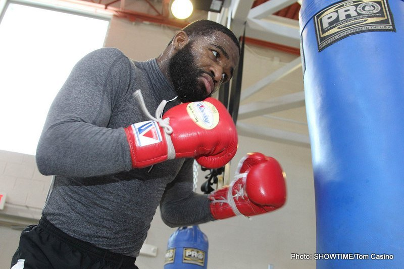 """Adrien Broner, Andre Berto, Lucas Matthysse - LOS ANGELES (July 31, 2014) –Former three-division world champion Adrien """"The Problem"""" Broner will return to his hometown arena following a two-year absence to headline a SHOWTIME CHAMPIONSHIP BOXING® event on Saturday, Sept. 6 at U.S. Bank Arena in Cincinnati, Ohio."""
