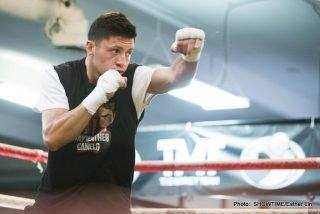 Ashley Theophane, Floyd Mayweather, Richard Abril - Boxing News