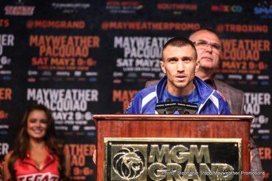 Leo Santa Cruz Vasyl Lomachenko Boxing News