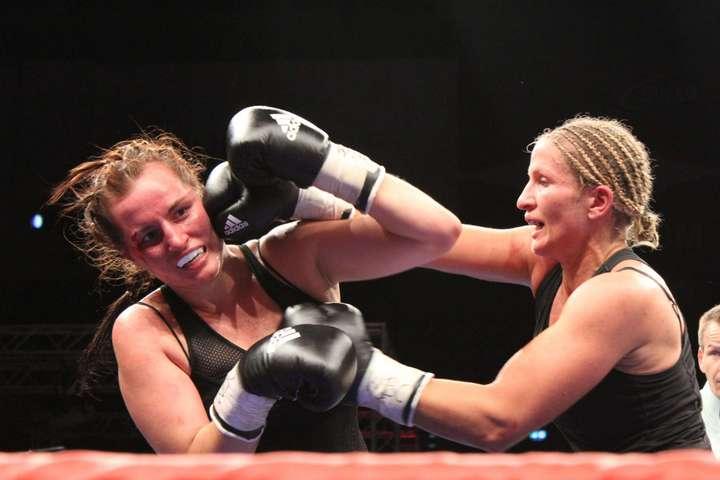 Nikki Adler beats Szilvia Szabados