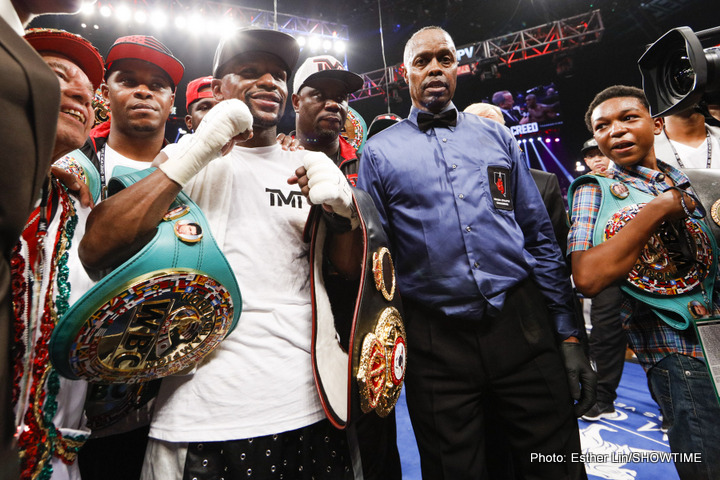 "Mayweather shows off his money, says he is happy in retirement ""making seven figures a month"""