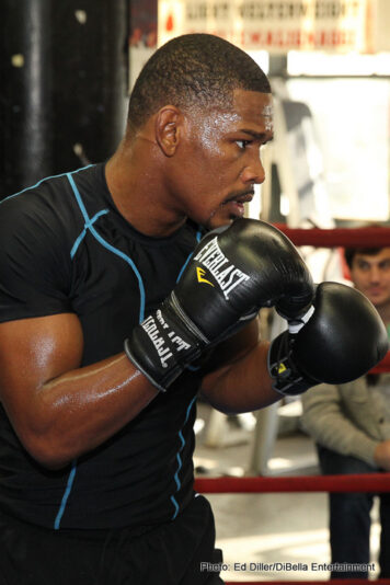 "Daniel Jacobs, Peter Quillin -  WBA Middleweight World Champion Daniel ""The Miracle Man"" Jacobs, former world champion Yuri Foreman and undefeated super bantamweight contender Heather ""The Heat"" Hardy hosted a media workout Tuesday at Gleason's Gym in their hometown of Brooklyn as they prepare for their respective battles on Saturday, Dec. 5 at Barclays Center. Jacobs will defend his title against undefeated former champion Peter ""Kid Chocolate"" Quillin in the SHOWTIME CHAMPIONSHIP BOXING® main event with televised coverage beginning at 9 p.m. ET/6 p.m. PT. In the co-feature, WBA Featherweight World Champion Jesus Cuellar (27-1, 21 KOs) will face exciting Puerto Rican contender Jonathan ""Polvo"" Oquendo (26-4, 16 KOs)."