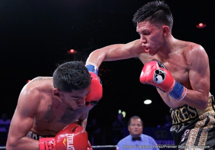 Miguel Flores dominates Mario Briones in San Antonio