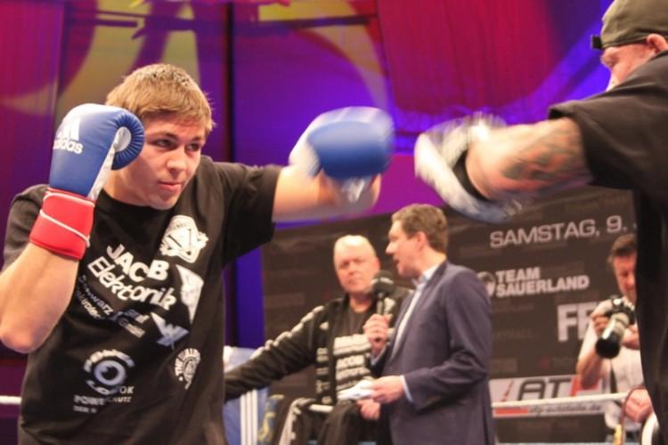 Giovanni De Carolis Vincent Feigenbutz Boxing News