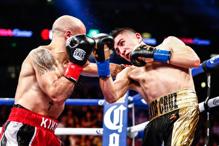 (Photo Credit: Stephanie Trapp/SHOWTIME) In easily the most exciting fight of this weekend's fights, WBA featherweight champion Leo Santa Cruz (32-0-1, 18 KOs) stood in the trenches and slugged it out with the hard hitting Kiko Martinez (35-7, 26 KOs) in mowing him down in five thrilling rounds on Showtime Boxing on Saturday night at the Honda Center in Anaheim, California.