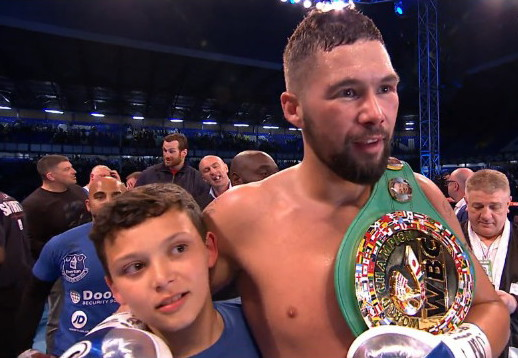 Tony Bellew - Underdog Tony Bellew (27-2-1, 17 KOs) came into tonight's fight against #1 WBC Illunga Makabu (19-2, 19 KOs) as a slight underdog, but he came out the champion and the new WBC cruiserweight belt holder after stopping the South African in the 3rd round at the Goodison Park Stadium in Liverpool, UK.