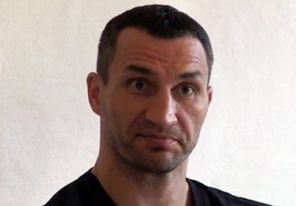 Wladimir Klitschko injured, will not be fighting December 10