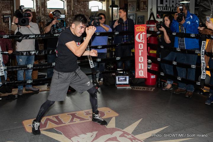Carl Frampton Dejan Zlaticanin Leo Santa Cruz Mikey Garcia Boxing News