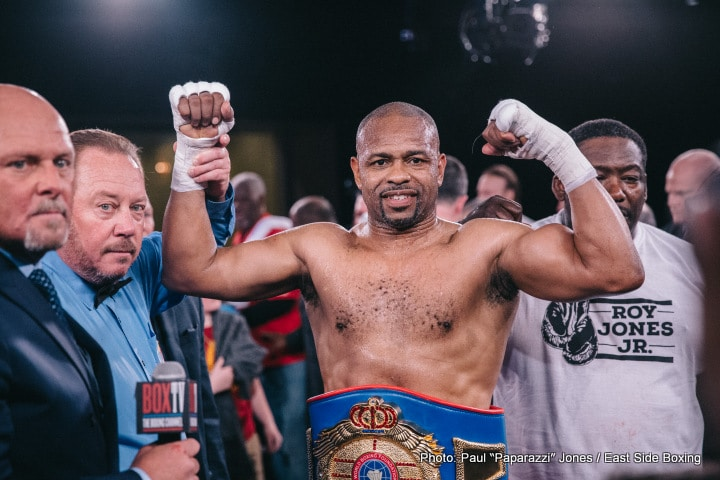 Roy Jones Jr. - All-time great and future Hall of Famer Roy Jones Junior is still not yet ready to call it quits and walk away from the perils of the ring. However, the living legend who will turn 49 next month (January 16) IS ready to have the final fight in his home town of Pensacola. Jones, 65-9(47) will fight TBA, at cruiserweight, on February 8, it has been announced on Jones' twitter page.