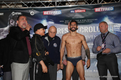 Anthony Crolla, Jorge Linares - WBA Lightweight World Champion Jorge Linares and his British counterpart Anthony Crolla both weighed in at 134 ½ pounds for their lightweight title rematch tomorrow/Saturday, March 25 at Manchester Arena live on SHOWTIME® (6 p.m. ET/3 p.m. PT).