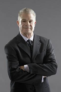 Jim Lampley - HBO® Re-Signs Signature Voice Jim Lampley For Its HBO Boxing Franchise