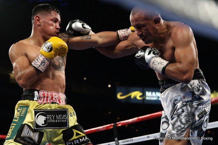 Mickey Roman defeats Orlando Salido