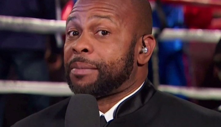"""Retired"" great Roy Jones beat John Ruiz to win a heavyweight title; he wanted to fight Evander Holyfield instead"