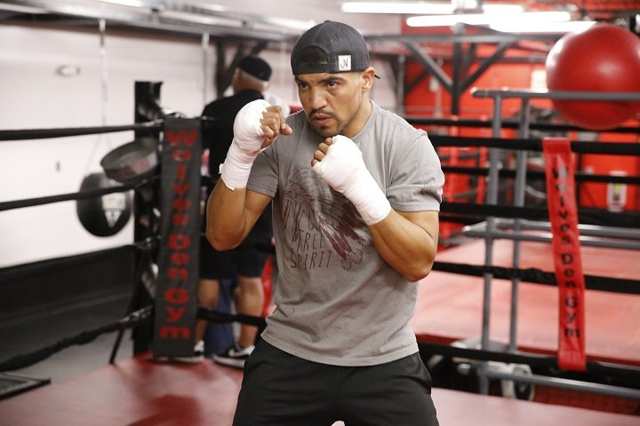 As fight fans may well have read or heard by now, former WBC welterweight champion Victor Ortiz turned himself into police custody yesterday when a woman accused him of rape. Ortiz is charged with forcible rape, forcible oral copulation and forcible digital penetration. The 31 year old is out on bail, the amount being $100,000.