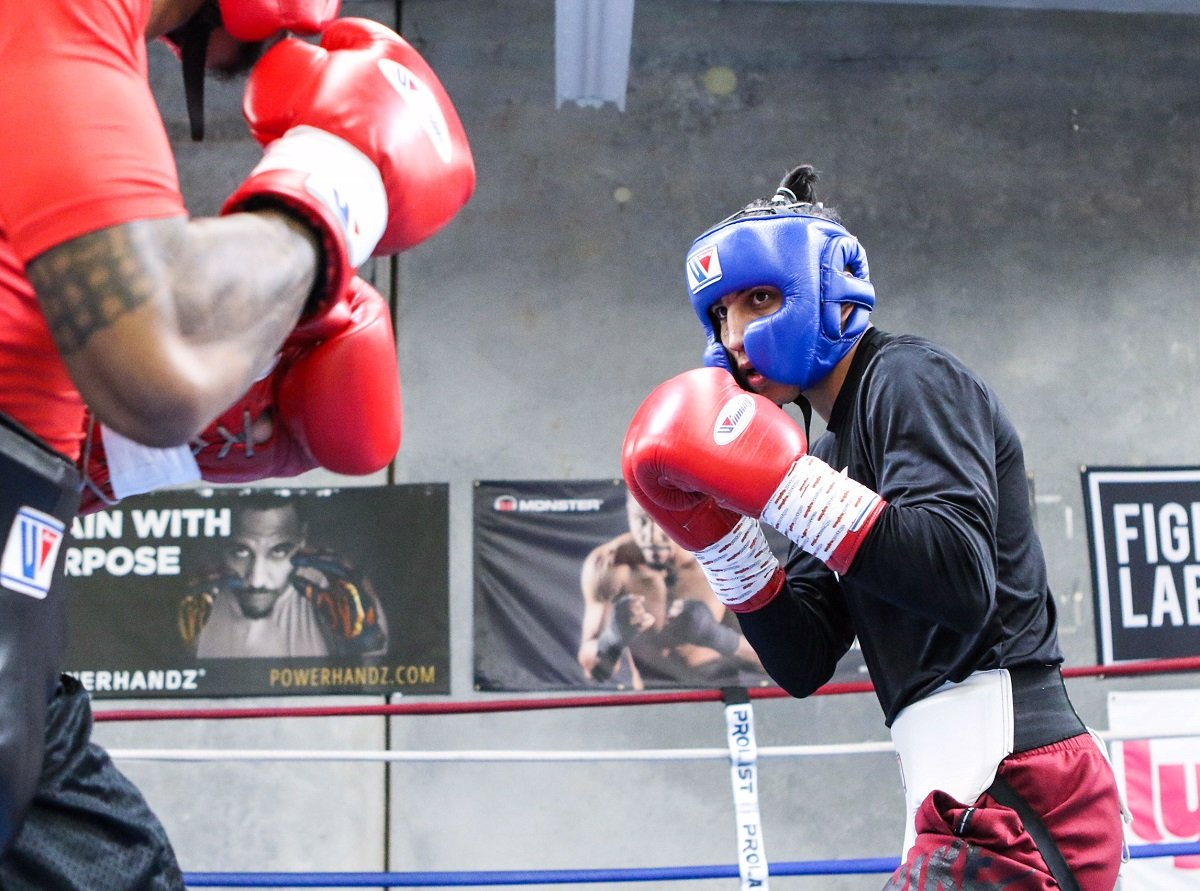 Mario Barrios - Unbeaten 140-pound contender Mario Barrios makes his ring return in his hometown of San Antonio when he faces Eudy Bernardo in SHOWTIME BOXING on SHO EXTREME action Saturday, March 10 from Freeman Coliseum.