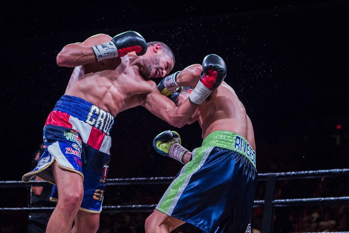 Results: Josesito Lopez defeats Miguel Cruz