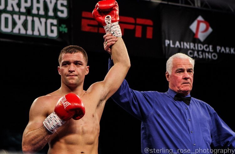 - Super welterweight boxer, Joe Farina will put his undefeated record (2-0, 2 KOs) on the line this Saturday, June 30th at Mohegan Sun Casino in Uncasville, Connecticut in a four-round bout against Steve Moore, who is coming off a knockout victory in his last outing. The main event will be headlined by Joe Smith Jr. versus Melvin Russell.