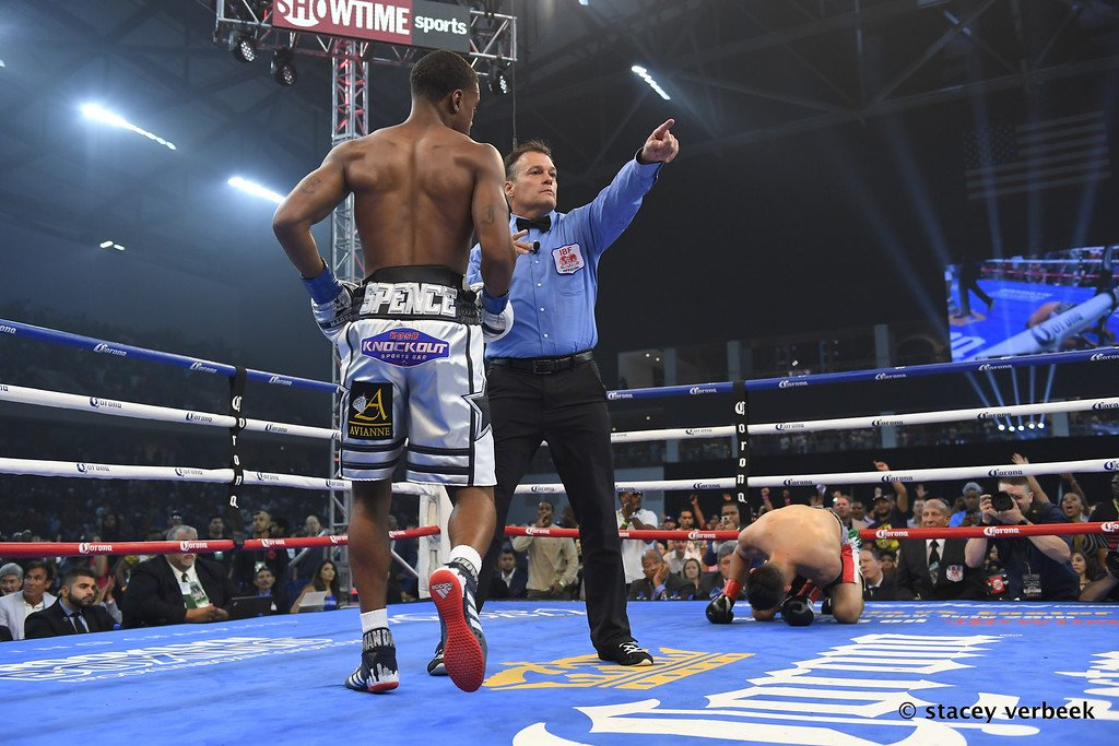 Carlos Ocampo - Errol Spence Jr. put on a body punching clinic on Saturday night in stopping challenger Carlos Ocampo in the 1st round on Showtime Championship Boxing. The fight wasn't supposed to be a competitive match-up, but it was briefly before Spence lowered the boom on the 22-year-old Ocampo (22-1, 13 KOs) in halting him with back to back body shots at the tail end of the 1st round. Spence's fans were estate when Ocampo failed to get up off the canvas to continue fighting.