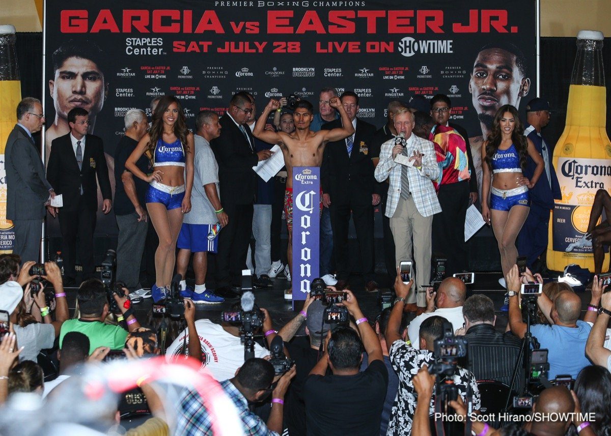 Mikey Garcia Robert Easter Jr.