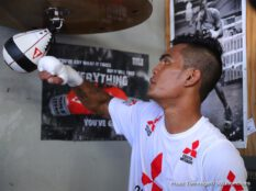 """Aston Palicte, Donnie Nietes - Three-division world champion and #1 world ranked Donnie 'The Snake' Nietes, (41-1-4, 23 KO's) and #2 world ranked  'Mighty' Aston Palicte, (24-2-0, 20 KO's)  worked out for the Los Angeles area media on Wednesday afternoon at the Wild Card Boxing Club ahead of their Filipino rivalry showdown for the vacant WBO Super Flyweight World Title on Saturday, September 8 at the """"Fabulous"""" Forum and televised on HBO Boxing After Dark beginning at 9:45 p.m. ET/PT. They were joined at the media workout by Tom Loeffler, President of 360 Promotions."""