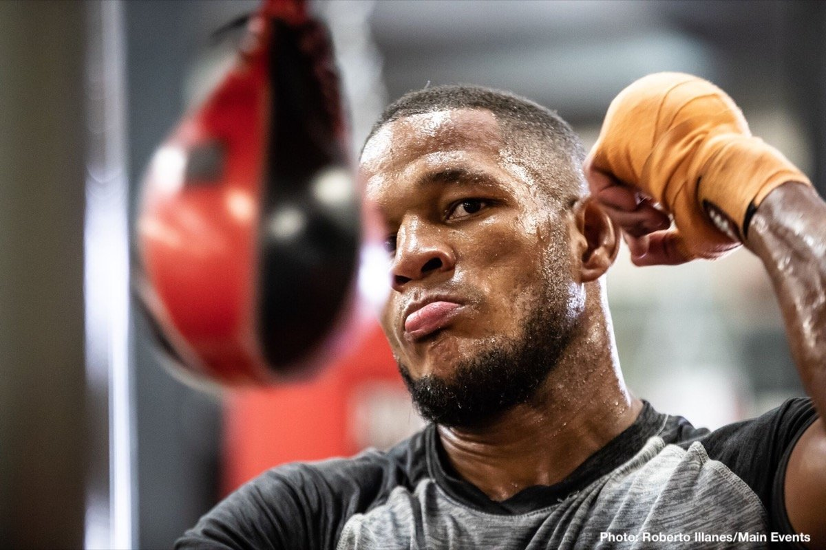 """Seanie Monaghan - Sullivan Barrera (21-2, 14 KOs) and """"Irish"""" Seanie Monaghan (29-1, 17 KOs) hosted open media workouts on Friday, October 19, in advance of their upcoming main event at The Aviator Sports and Events Center in Brooklyn, NY on Saturday, November 3, 2018."""