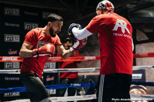 Jaime Munguia - Mexican warrior Jaime Munguia (31-0, 26 KOs) and Japanese contender Takeshi Inoue (13-0-1, 7 KOs) hosted a media workout today at The Knockout Factory in Houston, Texas ahead of their 12-round battle for Munguia's WBO Junior Middleweight World Title. The action will take place on Saturday, Jan. 26 at the Toyota Center in Houston, Texas and will be streamed live on DAZN - which is just $9.99 per month after a one-month free trial. Fans in Houston can purchase tickets starting at just $25 at ToyotaCenter.com.