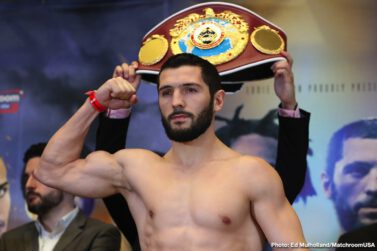 Artur Akavov, Chris Algieri, Danny Gonzalez, Demetrius Andrade - Demetrius Andrade has vowed to dominate the Middleweight division in 2019 – starting with the first defense of his WBO World title against Artur Akavov on Friday January 18 at the Hulu Theater at Madison Square Garden, New York, live on DAZN in the US and on Sky Sports in the UK.