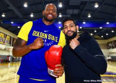 """Amir Khan, Terence Crawford - The """"King"""" of boxing in the United Kingdom met the kings of the NBA. Before continuing his preparation for his April 20 world title showdown against pound-for-pound kingpin Terence """"Bud"""" Crawford, former world champion Amir """"King"""" Khan (33-4, 20 KOs) made a pit stop Monday at the Golden State Warriors practice facility to meet the players and staff of the two-time defending NBA champions."""