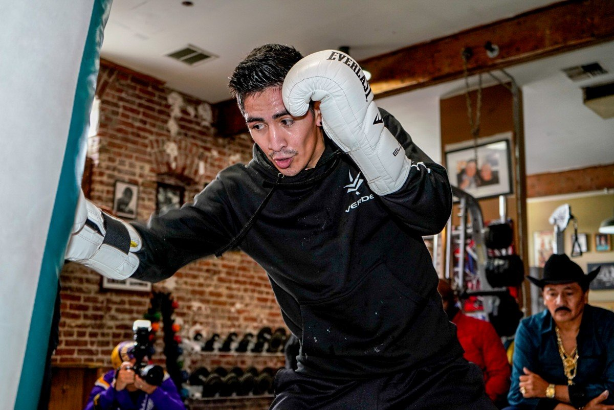 WBA Featherweight World Champion Leo Santa Cruz, one of Los Angeles' most popular boxing stars, hosted a media workout at Fortune Gym in Hollywood Tuesday as he nears his primetime showdown against Rafael Rivera that headlines Premier Boxing Champions on FOX and FOX Deportes Saturday, February 16 at Microsoft Theater at L.A. Live in Los Angeles.