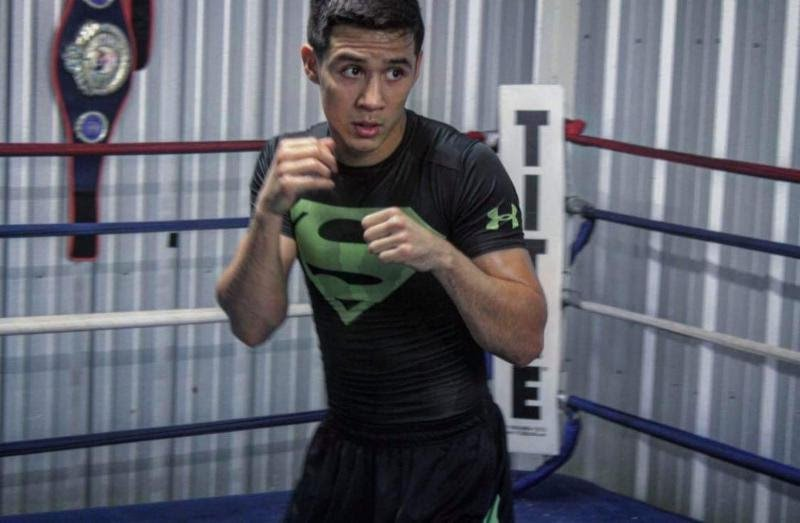 """- Rising blue chip prospect, Omar """"El Relampago"""" Juarez (2-0, 1 KO), returns to the ring on PBC FIGHT NIGHT - EXTRA on FS1 and FOX Deportes Saturday, April 20 from Dignity Health Sports Park in Carson, California.  Juarez will face Dwayne Bonds (3-1-1, 1 KO) in a four-round match to open the telecast beginning at 10:30 p.m. ET/7:30 p.m. PT."""