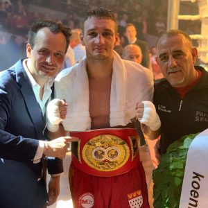 Patrick Wojcicki - Patrick Wojcicki (13-0-1, 4 KOs) retained his IBF Intercontinental Middleweight title with a unanimous points win against the tough Argentine Marcelo Fabian Caceres (18-4, 13 KOs) last night at the CongressPark in Wolfsburg.