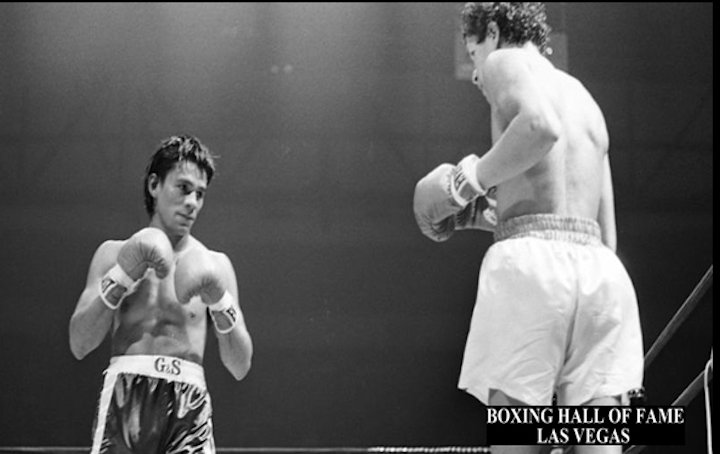 Roberto Duran - Exclusive interview by James Slater - 68 year old Edwin Viruet, who exited the ring with a fine 32-6-2(14) record, talks about one man and one man only whenever he recalls his boxing career. Roberto Duran, who Viruet insists he twice defeated only to be robbed, seems to constantly occupy the Puerto Rican-born New Yorker's mind today.