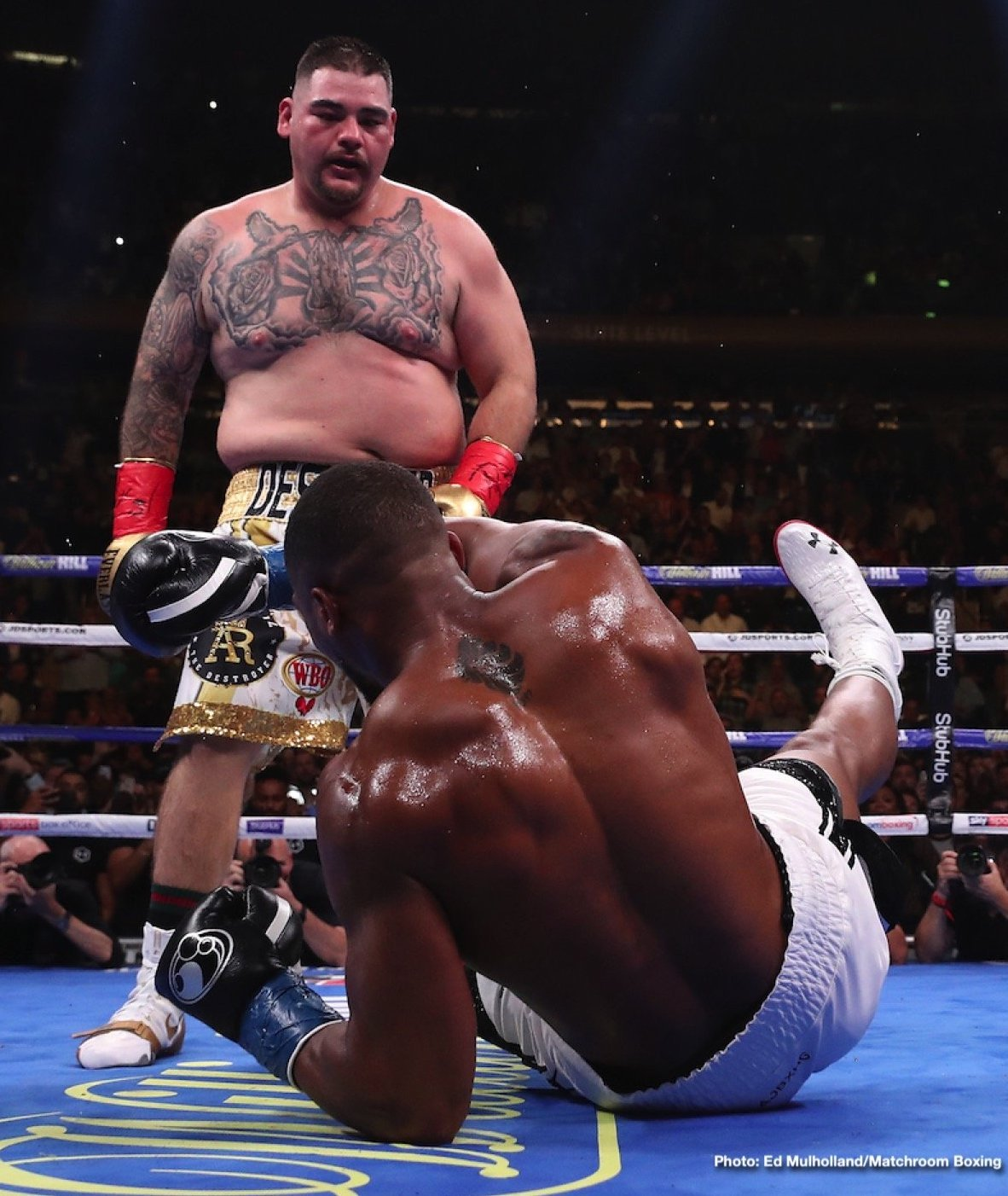Andy Ruiz - It has yet to be officially confirmed, but a number of publications strongly feel the big heavyweight title fight rematch between Andy Ruiz and Anthony Joshua will take place in Saudi Arabia on December 7th. The Telegraph broke this exclusive news story. According to sources who The Telegraph spoke with, the huge sum of $100 million secured the deal, the Saudi money men successful in getting the fight for Riyadh.