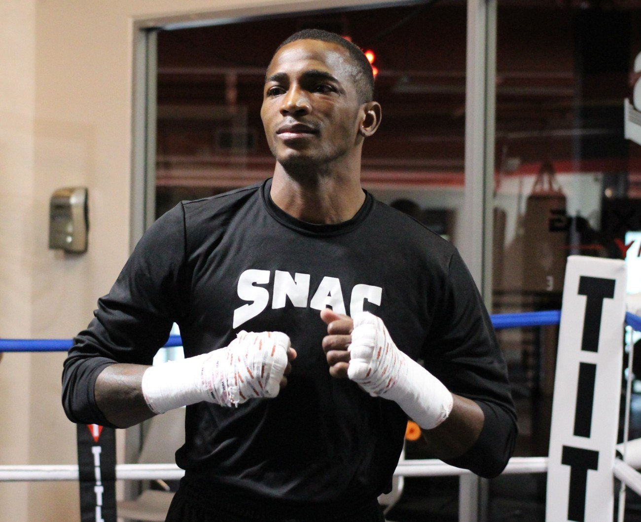 Erislandy Lara, Ramon Alvarez - Boxing News