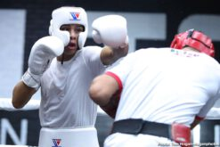 Jaime Munguia - Jaime Munguia (33-0, 26 KOs) hosted a media workout yesterday in his hometown of Tijuana, Baja California, Mexico ahead of defending his WBO Junior Middleweight World Title in a 12-round bout against African warrior Patrick Allotey (40-3, 30 KOs). The young star was joined by his trainer Erik Morales, along with Oscar De La Hoya, Chairman and CEO of Golden Boy, and Fernando Beltran, CEO of Zanfer Promotions. The event will take place on Saturday, Sept. 14 at Dignity Health Sports Park in Carson, Calif. and will be streamed live on DAZN.
