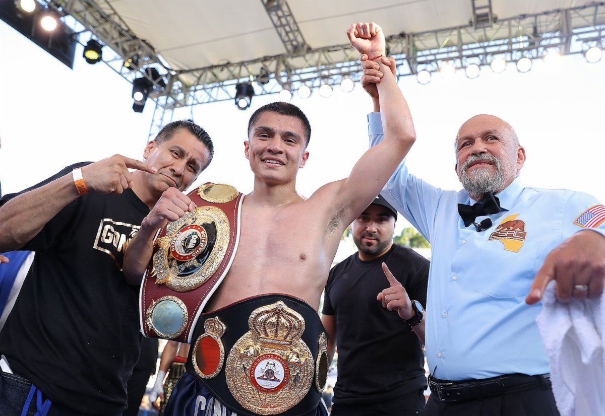 Joet Gonzalez - Ahead of his first world title opportunity, Joet Gonzalez (23-0, 14 KOs) has re-signed with Golden Boy as he begins to conquer the featherweight division.