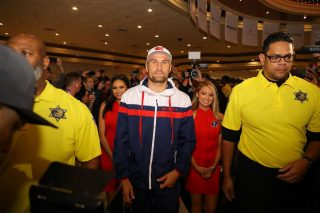 "Sergey Kovalev - Saul Canelo Alvarez (52-1-2, 35 KOs) and Sergey ""Krusher"" Kovalev (34-3-1, 29 KOs) made their grand arrivals today at the MGM Grand Resort and Casino in Las Vegas ahead of their 12-round fight for Kovalev's WBO Light Heavyweight World Title. The event will take place on Saturday, Nov 2, 2019 at MGM Grand Garden Arena in Las Vegas and will be streamed live exclusively on DAZN."