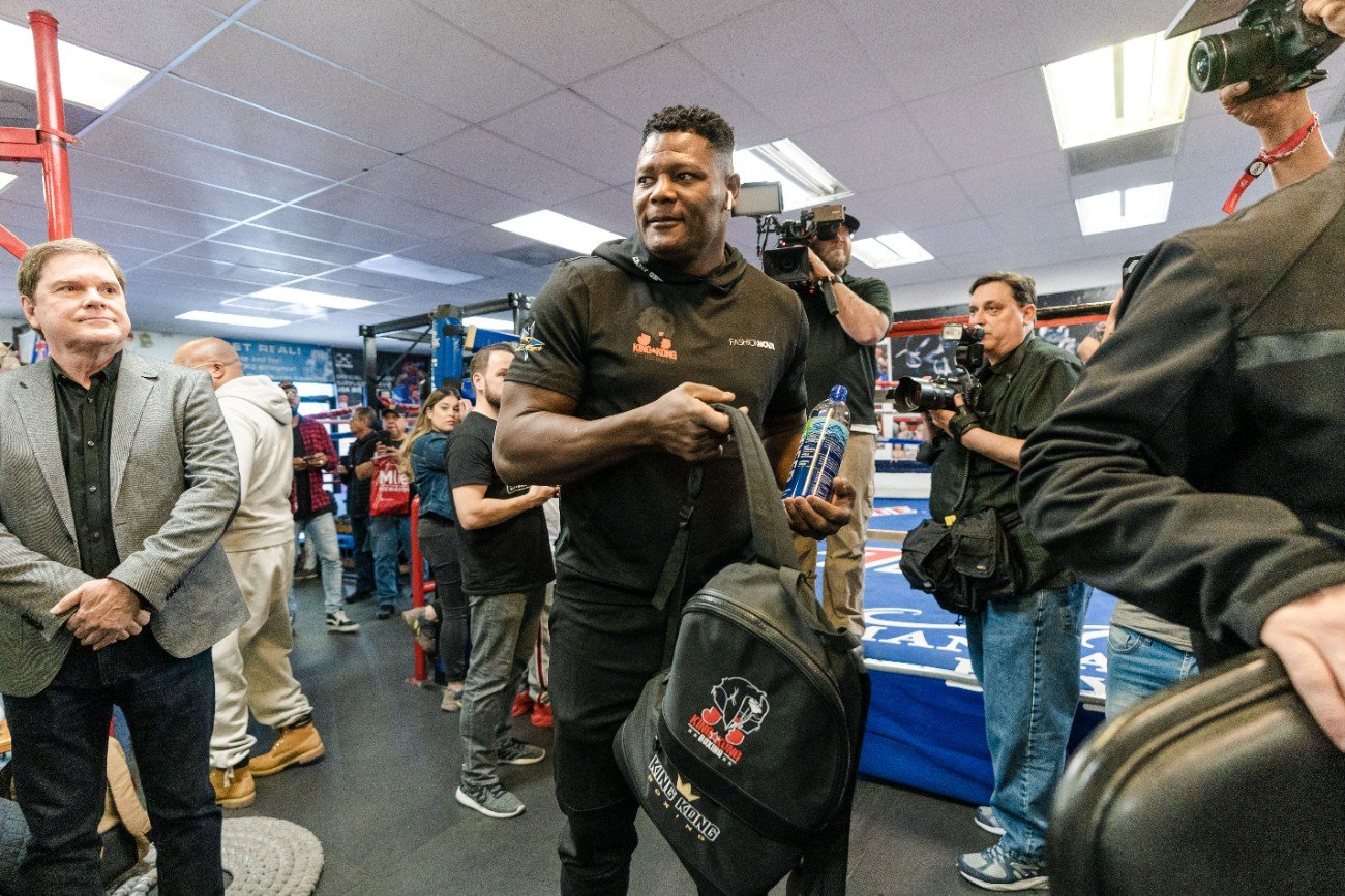 """Deontay Wilder, Julio Ceja, Luis Ortiz - Heavyweight Contender Luis """"King Kong"""" Ortiz Holds Halloween Workout Ahead of Rematch Against WBC Heavyweight Champion Deontay Wilder Saturday, November 23 in FOX Sports PBC Pay-Per-View Main Event from the MGM Grand Garden Arena in Las Vegas, Nevada."""