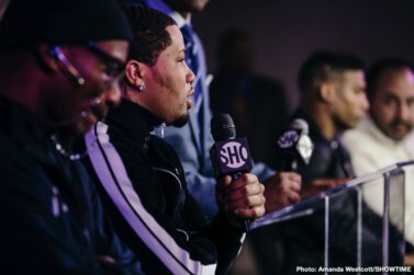 """Gervonta Davis, Yuriorkis Gamboa - Two-time super featherweight champion Gervonta """"Tank'' Davis, Mayweather Promotions' top rising star and boxing's hottest attraction, went face to face with former unified champion Yuriorkis Gamboa Tuesday at a press conference in Atlanta to preview their battle for the vacant WBA Lightweight title taking place Saturday, December 28 live on SHOWTIME in a special year-end Premier Boxing Champions event."""
