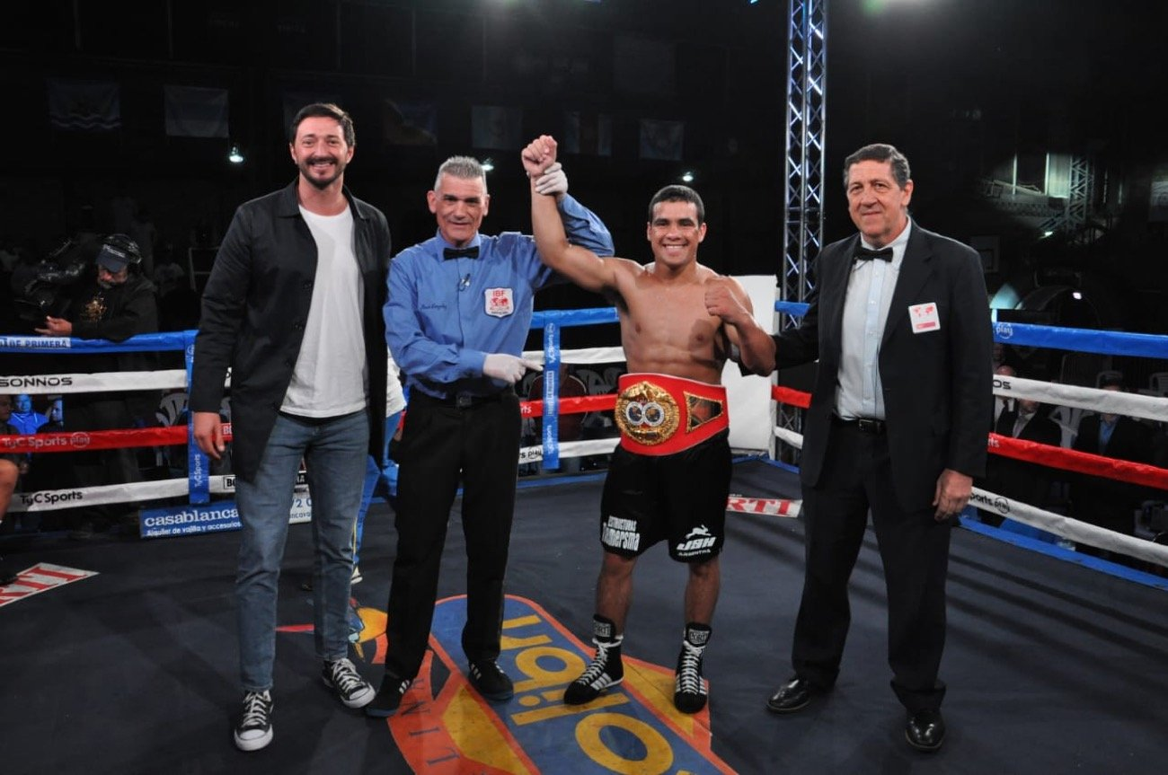 "Gustavo Lemos, Ievgen Khytrov, Raquel Miller - Last saturday 23th nov in Pinamar, Buenos Aires, hard-hitting Gustavo ""Eléctrico"" Lemos from Argentina (24-0, 14 KO), demolished the Venezuelan Yeison González by TKO in two rounds, retaining for the 1st time his IBF World Youth Lightweight Title."