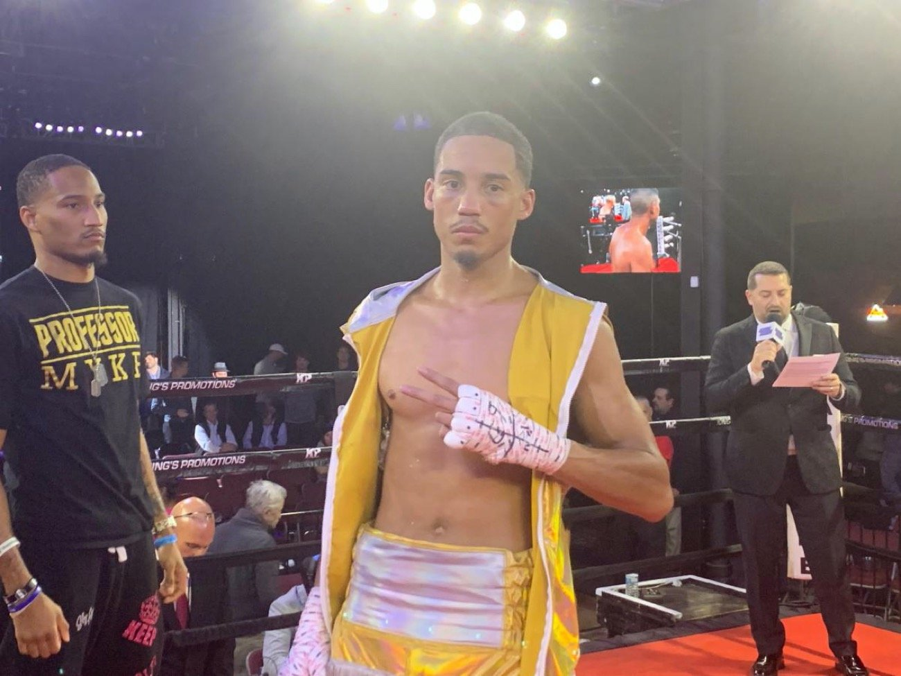 World Ranked welterweight Mykal Fox won a eight-round unanimous decision over Johnny Arellano in the main event of a seven bout show at the 2300 Arena in Philadelphia.
