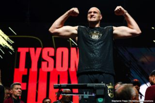 Deontay Wilder - Lineal Heavyweight Champion of the World Tyson Fury has today poured praise on Hall of Fame promoter Frank Warren, declaring him his 'magic man'.