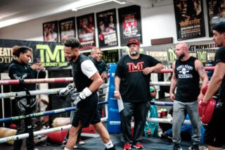 Sanjarbek Rakhmanov - Boxing Hall of Famer Roy Jones Jr. leaned into the ropes and intently watched his pupil, rising once-beaten prospect and Las Vegas native Kevin Newman II run through a spirited 30-minute media workout on Thursday at Mayweather Boxing Club.