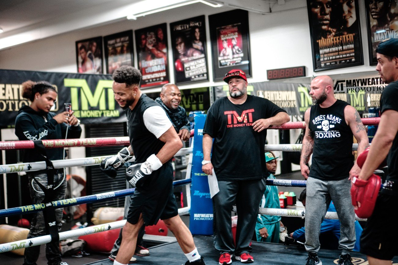 Keith Hunter, Sanjarbek Rakhmanov - Boxing Hall of Famer Roy Jones Jr. leaned into the ropes and intently watched his pupil, rising once-beaten prospect and Las Vegas native Kevin Newman II run through a spirited 30-minute media workout on Thursday at Mayweather Boxing Club.