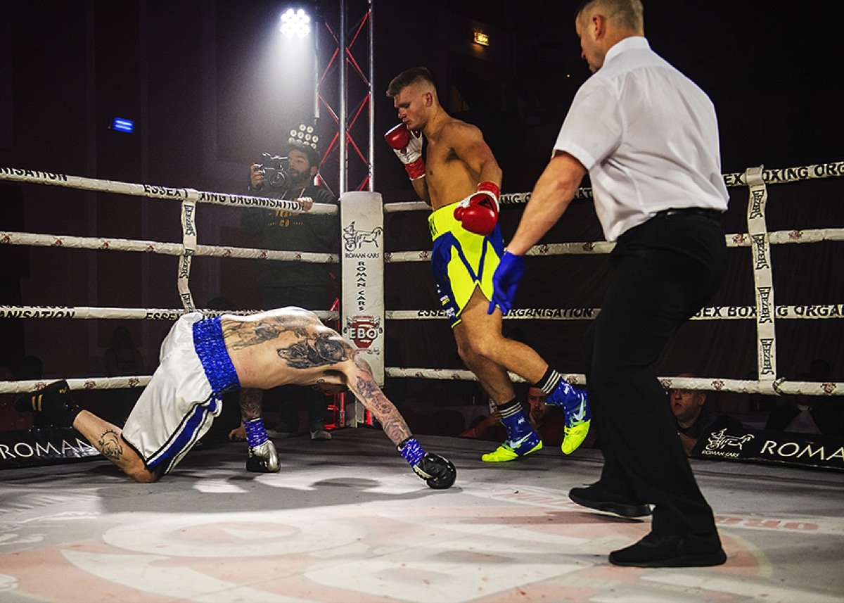 Navid Iran - Narvaez Topples Cook to Become International Masters Champ, Mulberry Beats Carruthers in a Bloody Thriller, Elden and Valencia Draw as Mannix stops Burns on Pro Debut